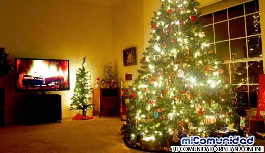 ¿Deberíamos los cristianos tener un árbol de Navidad? ¿Tiene el árbol de Navidad su origen en antiguos ritos paganos?