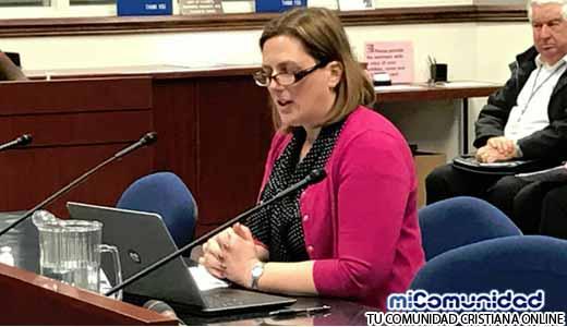 ¿Fin de la Marca de la Bestia? Senadora busca Prohibir la Implantación de Chips en Humanos