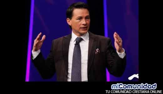 Pastor Cash Luna apoyará a guatemaltecos a conseguir empleo