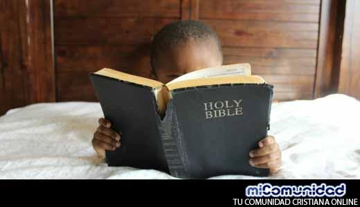 Escuela prohíbe a estudiantes estudiar la Biblia durante intervalo de clases