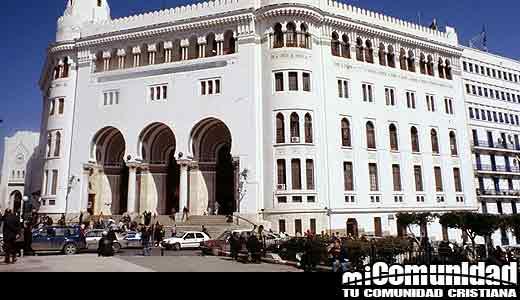 Cristianos argelinos denuncian una creciente presión sobre las iglesias