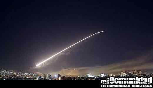 """Las fuerzas armadas británicas realizan ataques coordinados con Estados Unidos y Francia contra """"lugares estratégicos"""""""