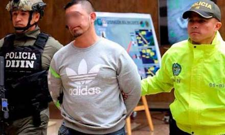 Extraditan a EEUU a presunto narcotraficante ecuatoriano desde Colombia.