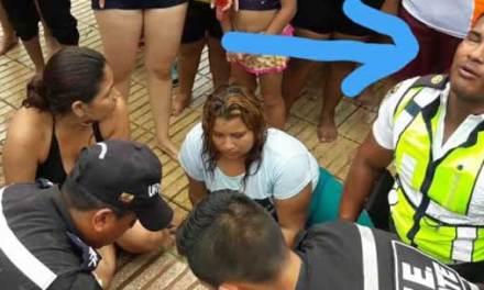 Vigilante Miguel Reyes, resucita a niño que se ahogo en balneario de Jujan.