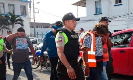 Liberan a banda criminal en Guayaquil y horas más tarde los agarran cometiendo otro delito.