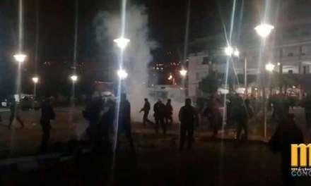 Policía Nacional arremete contra mujeres y niños que se encontraban acampando en universidades de Quito