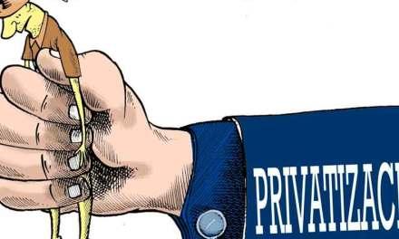 Denuncian inminente privatización del Banco del Pacífico