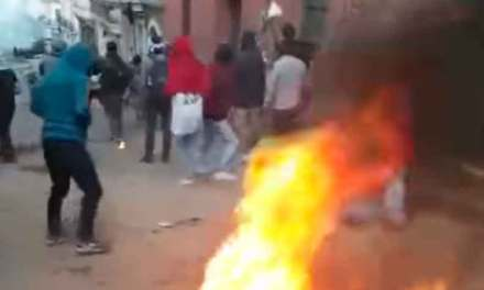 Crece la violencia en contra de los manifestantes.