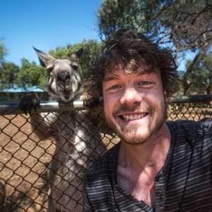 Allan_Dixon_selfie_animal_2