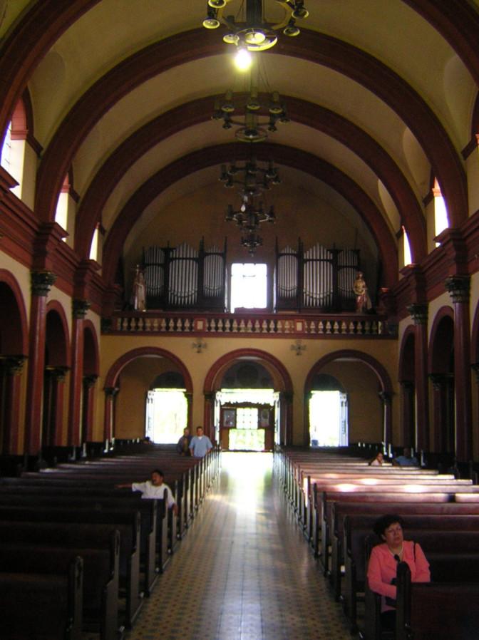 Medellín: Iglesia de San Antonio