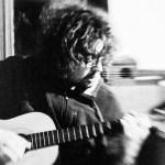 Andreas à la guitare