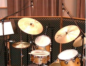Today we help give you some tips on how to mic a drum set