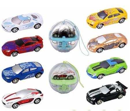 8 cars, 2 balls