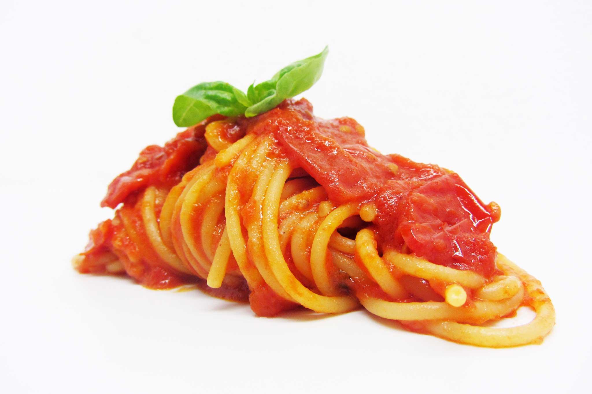 spaghetti-pomodoro-Gennaro-Esposito
