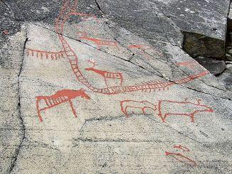 Graffito rupestre di Alta che fa parte di un sito archeologico nei pressi della città di Alta, nello stato norvegese di Finnmark. Nel graffito viene mostrato un allevamento di animali, probabilmente renne.