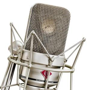 https://i2.wp.com/www.microphonereviews.com/images/content/product/neumann-tlm-49-condenser-studio-microphone/large/Neumann%20TLM%2049_3.jpg