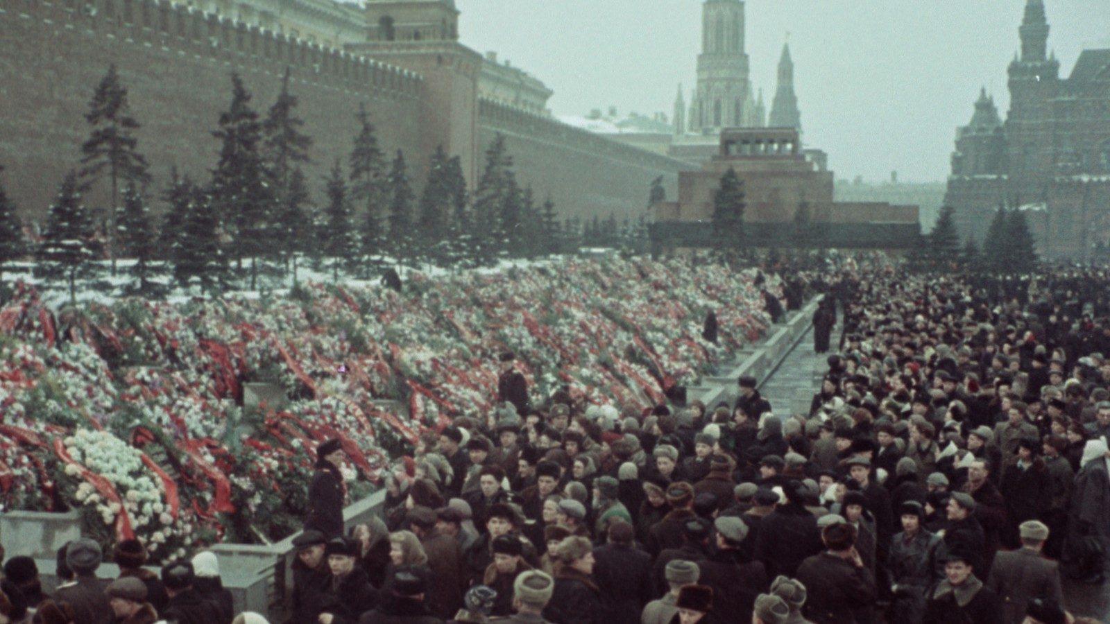 Festival de Mar del Plata 2019: crítica de «State Funeral», de Sergei Loznitsa