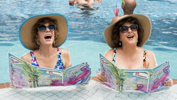 Estrenos online: crítica de «Barb and Star Go to Vista del Mar», de Josh Greenbaum