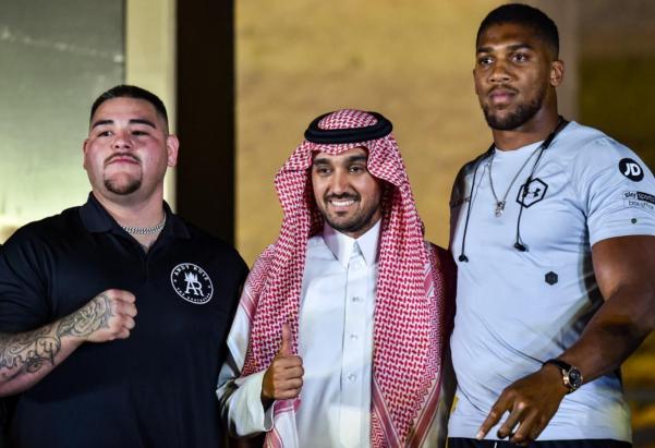 Anthony Joshua: Saudi Arabia 'doing a good job politically' | Middle East Eye
