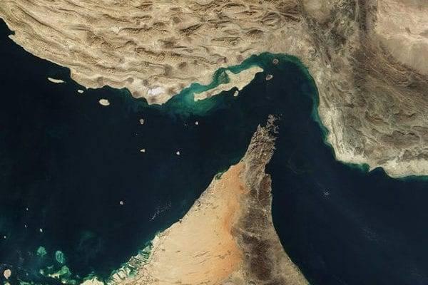 Le détroit d'Ormuz, entre l'Iran, Oman et les Emirats Arabes Unis