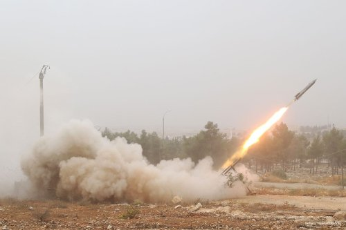 Opposition members attack Assad regime targets in Aleppo on 28th October 2016 [Beha El Halebi/Anadolu]