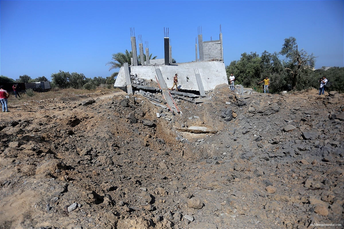 Image of destroyed homes after Israeli airstrikes hit Gaza [Apaimages]