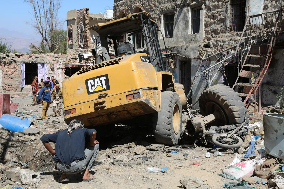 Damage is seen after clashes between Yemeni military forces and Houthi rebels [Abdulnasser Alseddik / Anadolu Agency]