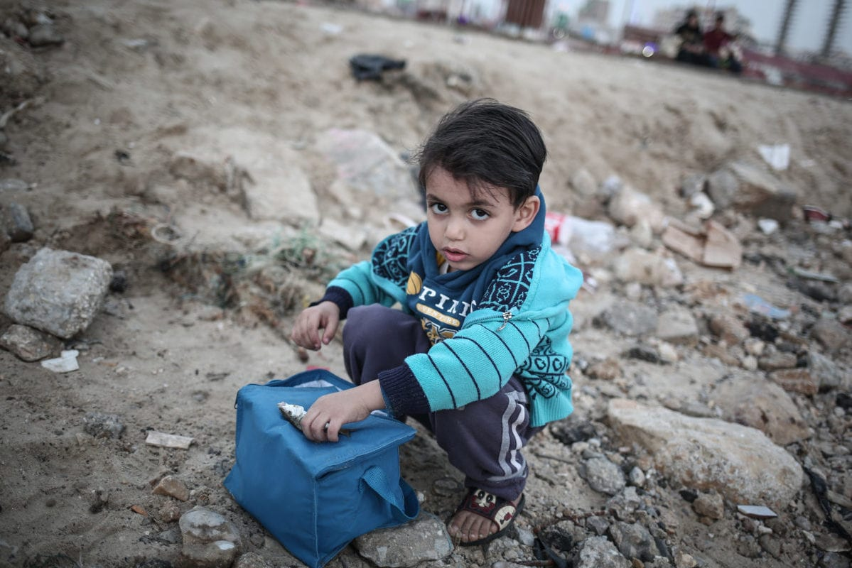 Palestinian children work under difficult conditions due to Israeli embargo over Gaza during the World children's day, on 20 November 2016 in Gaza City, Gaza [Ali Jadallah / Anadolu Agency]