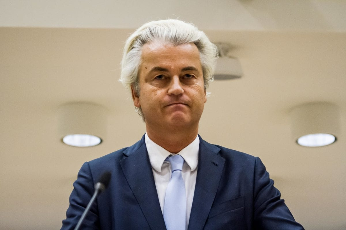 Dutch far-right leader Geert Wilders speaks to the court at the high security court in Schiphol, Netherlands on 23 November 2016. [Paco Nunez - Anadolu Agency ]