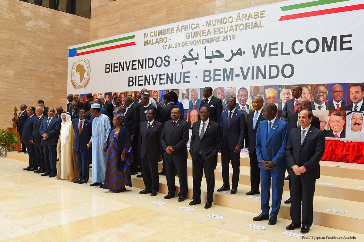 Leaders pose for a family photo before the opening session of the 4th Arab-African Summit in Malabo, Equatorial Guinea on 23 November 2016 [Pool / Egyptian Presidency/Anadolu]