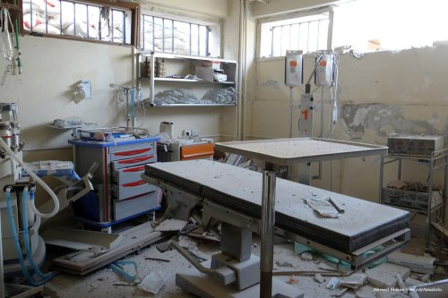 An interior view of a damaged hospital after being hit by an airstrike in Aleppo on November 14 2016. [Ahmed Hasan Ubeyd/Anadolu]