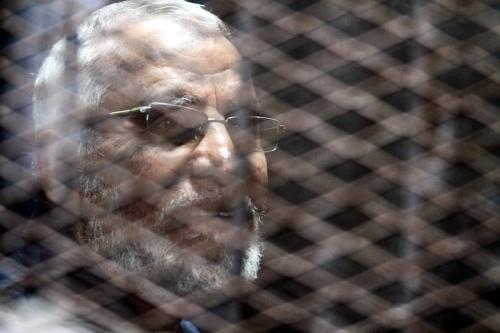 Muslim Brotherhood Supreme Guide Mohamed Badie is seen inside the defendants' cage during the trial known as ''Bahr Al-Azam'' case, in Cairo, Egypt on November 24, 2016. [Moustafa Elshemy/Anadolu Agency]