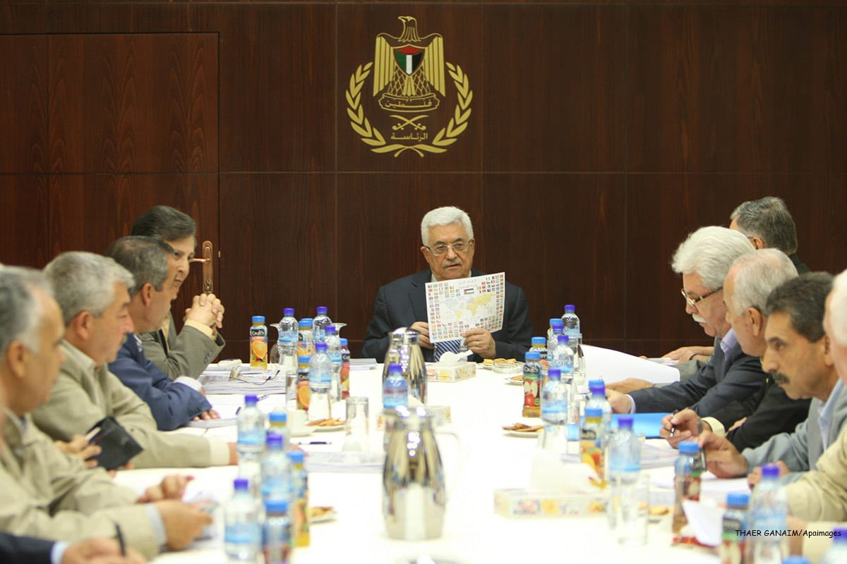 Palestinian President Mahmoud Abbas (C) during a meeting of the Central Committee of Fatah in the West Bank [THAER GANAIM/Apaimages]