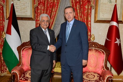 Palestinian President Mahmud Abbas meets with Turkish Prime Minister Recep Tayyip Erdogan in Istanbul on July 18 2014 [Thaer Ganaim/Apaimages]