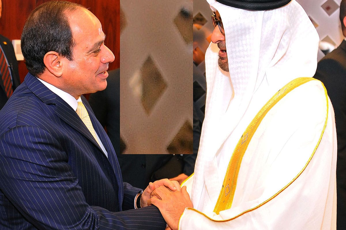 President of Egypt Abdel Fattah el-Sisi (L) meets Crown Prince of Abu Dhabi Mohammed bin Zayed Al Nahyan (R) on 1 December 2016 [Egyptian Presidency / Anadolu Agency]