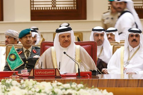 Secretary general of the Gulf Cooperation Council (GCC), Abdullatif bin Rashid Al Zayani (C) attends the closing session of the 37th Leaders Summit by GCC in Bahrain on December 7 2016 [Stringer /Anadolu Agency]