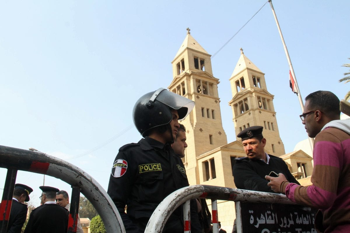 Security forces take security measures at site after an explosion at Saint Mark's Coptic Orthodox Cathedral in Cairo, Egypt on December 11, 2016 [Ahmed Gamil / Anadolu Agency]