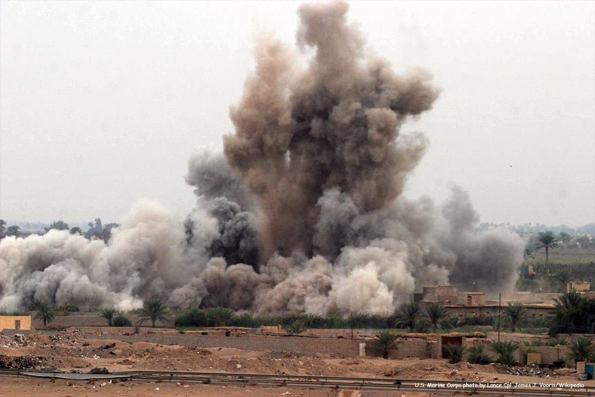Image of an airstrike attack in Iraq carried out by the US [US Marine Corps photo by Lance Cpl. James J. Vooris/Wikipedia]