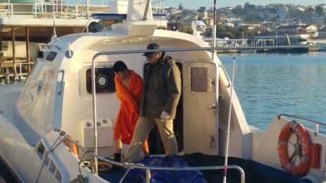 AYVALIK, TURKEY: Five refugees drowned and eight were rescued off Turkey's Aegean Sea coast after their boat sank on 20 December 2016. [Anadolu Agency]