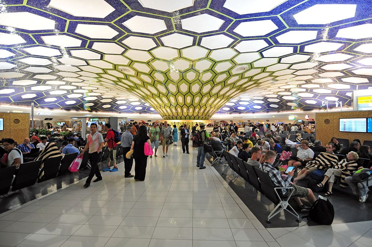 Image of people waiting for their flights in Abu Dhabi, UAE [Ralf Roletschek/Wikipedia]