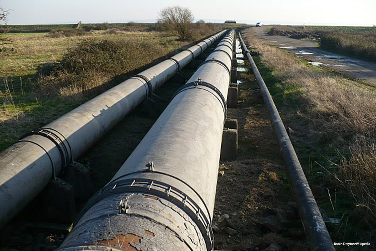 Image of pipelines [Robin Drayton/Wikipedia]