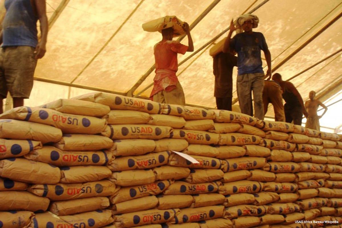 Image of food parcels [USAID Africa Bureau/Wikipedia]