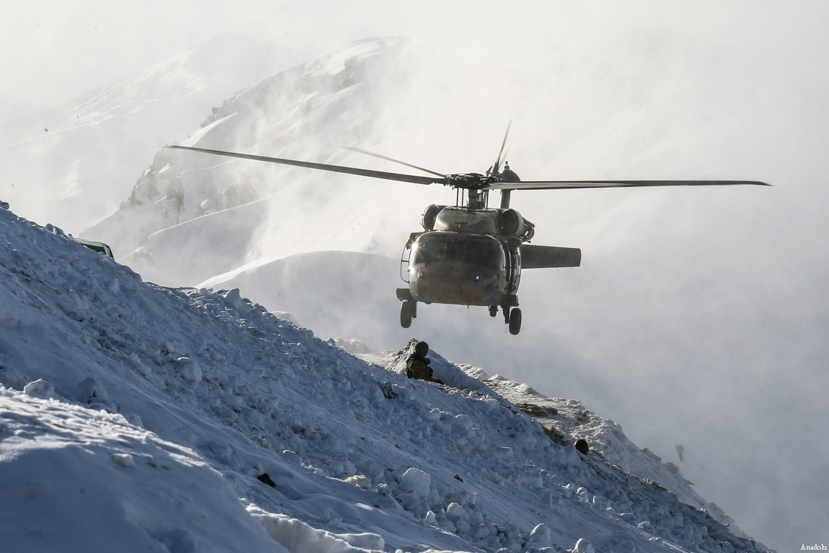 File photo of a military helicopter flying during an operation against the PKK in Hakkari, Turkey on December 30, 2016 [ Özkan Bilgin / Anadolu Agency]