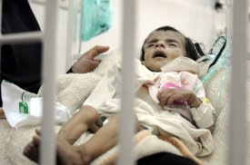 A baby receives treatment at the Sabaeen hospital in Sanaa, Yemen on 18 January 2017 [Mohammed Hamoud/Anadolu Agency]