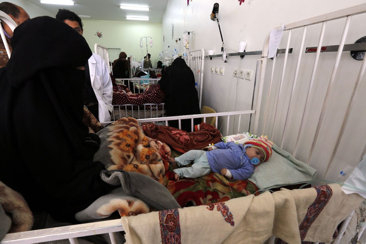 Image of children receiving treatment in hospital due to the the lack of food and nutrition in Yemen [Mohammed Hamoud - Anadolu Agency]