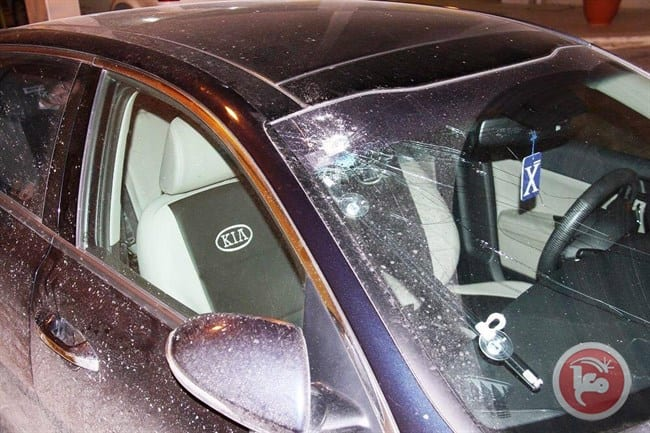 Image of the damaged windshield on the car of the Palestinian Deputy Health Minister. The Palestinian Authority claim the damage was done when Israeli soldiers deliberately opened fire at Al-Ramlawi's car near the village of Al-Ram, West Bank on January 4, 2017 [Ma'an News]