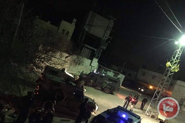 Israeli forces raid the town of Kifl Haris in the Salfit district of the central occupied West Bank on 7 January 2017 to provide protection for Israeli settlers visiting a site believed to be a Jewish shrine. [Ma'an]