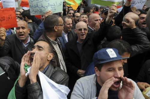 Image of a protest in Algeria [Kazi UK/Twitter]
