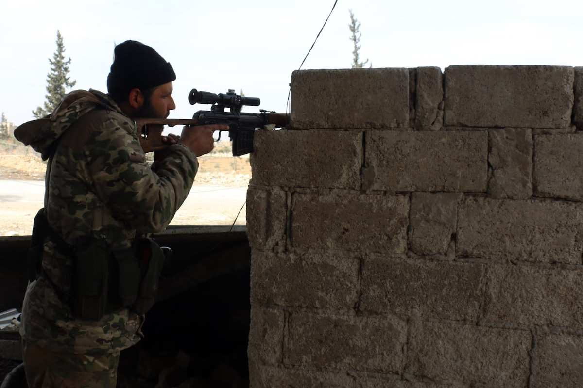 """ALEPPO, SYRIA: Members of the Free Syrian Army attack Daesh positions in Al-Bab town of Aleppo during """"Operation Euphrates Shield"""" in Aleppo, Syria, on 8 February 2017. [Muhammed Nour/Anadolu Agency]"""