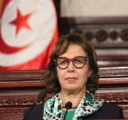 Tunisia to sell shares in three state banks and layoff 10,000 employees